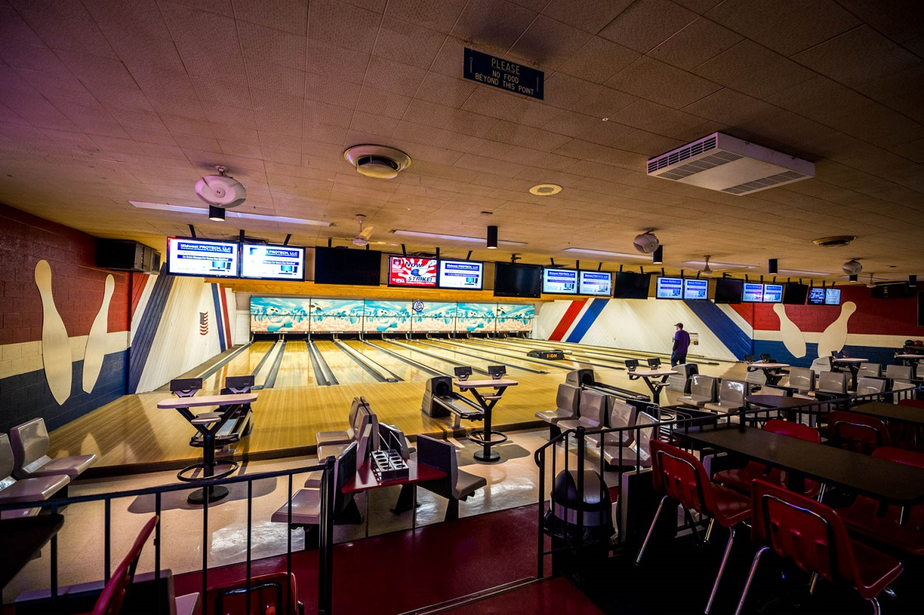 PLACE: Stumps Lanes / ADDRESS: 5536 Bridgetown Road (Bridgetown North) / Stumps Lanes is family-owned and -operated and offers 12 lanes of fun for all ages. The old school spot offers a variety of regular specials including unlimited bowling on Thursdays from 9 to 11:30 PM for $6 (including shoes). They also have the Alley 13 & Outside Deck area for entertainment. / HOURS: Monday 12 PM-1PM, Tuesday-Thursday 9 AM-11 PM, Friday 4 PM-12 AM, Saturday 9 AM-12 AM, and Sunday 12-11 PM / Image: Catherine Viox // Published: 10.29.19