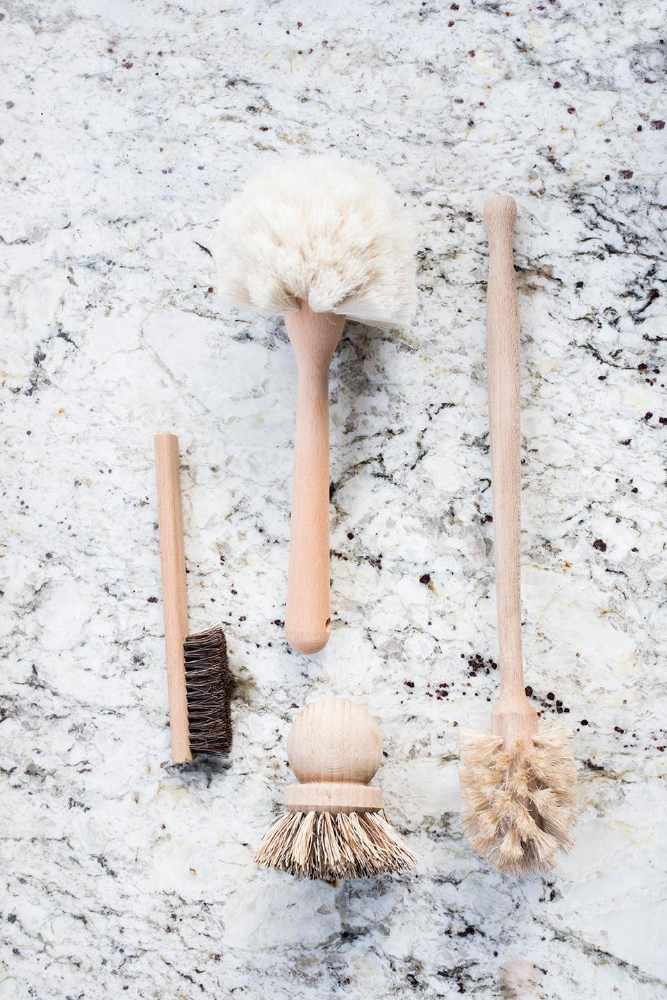Alternatives to animal hair include coco husk, sisal, palmyra, tampico and aregna fibers; these natural fibers are incredibly strong and durable, and are resistant to water and heat. (Image: Ashley Hafstead)