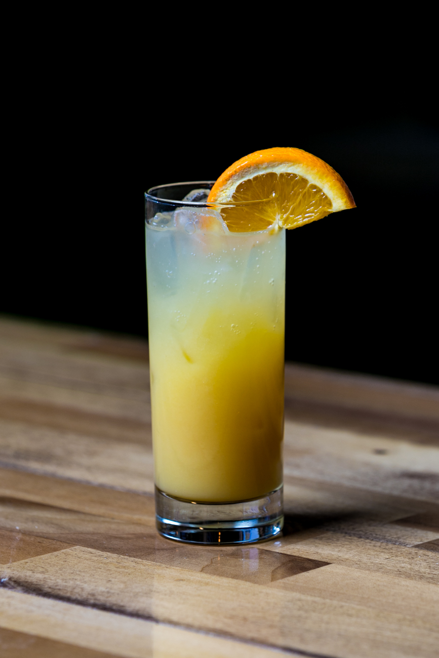 Pot O'Gold: Tullamore Dew, Peach Schnapps, orange juice, and ginger ale / Image: Amy Elisabeth Spasoff // Published: 4.29.19