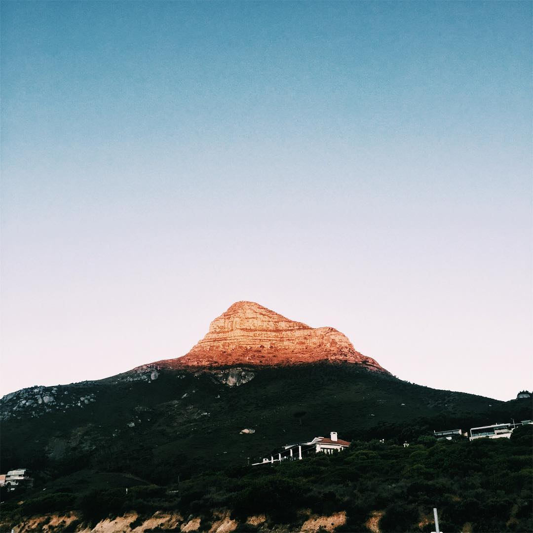IMAGE: IG user @sahagpeej / POST: My six days spent in Cape Town could not have gone fast enough, I had to rely on the sun to freeze time. // PUBLISHED: 12.2.16