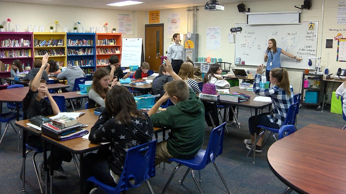 FOX 11 News at Ten Anchor Mike Murad visits Parkview Middle School