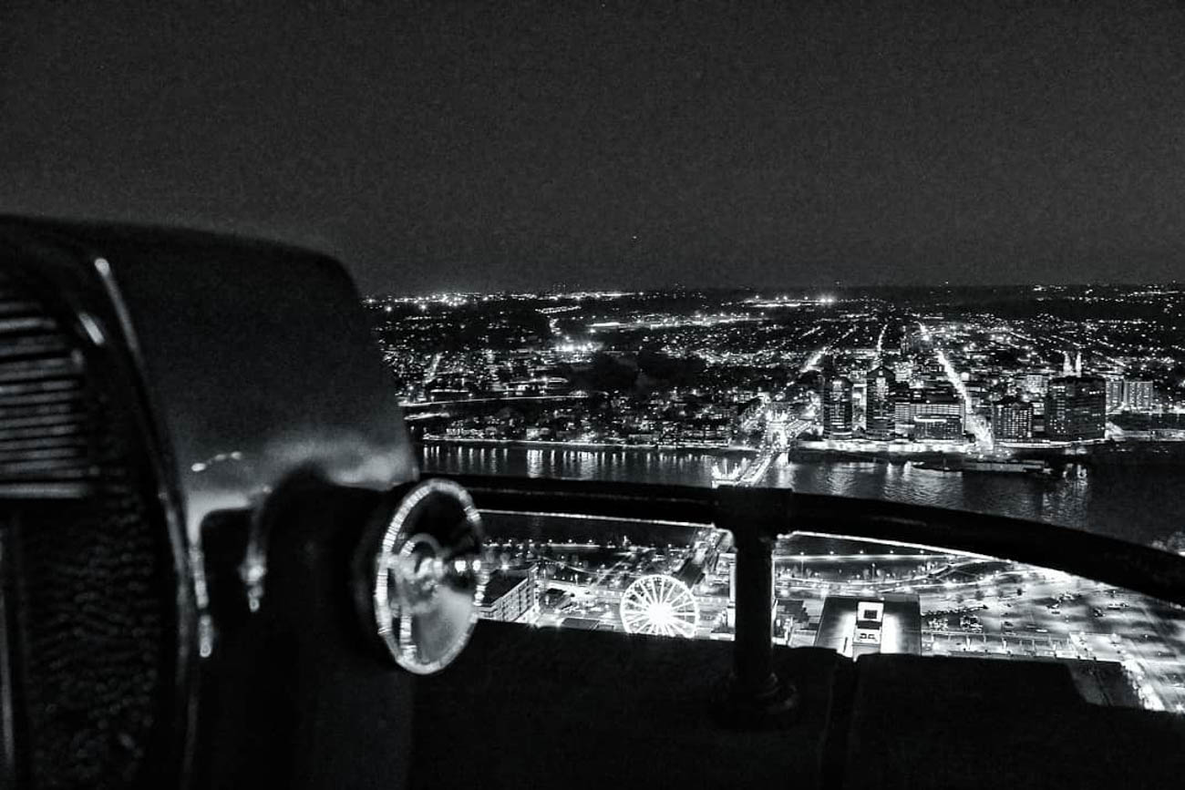 A film noir kind of scene from atop the Carew Tower. / Image courtesy of Instagram user @ljs_lenz // Published: 3.20.19
