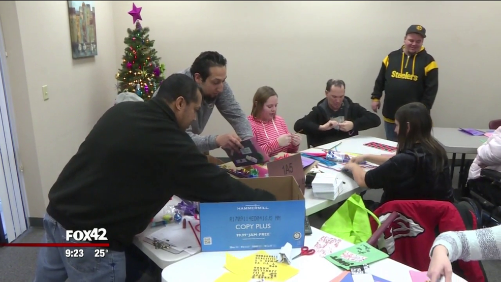 developmental services of iowa makes holiday cards for veterans - Christmas Cards For Veterans