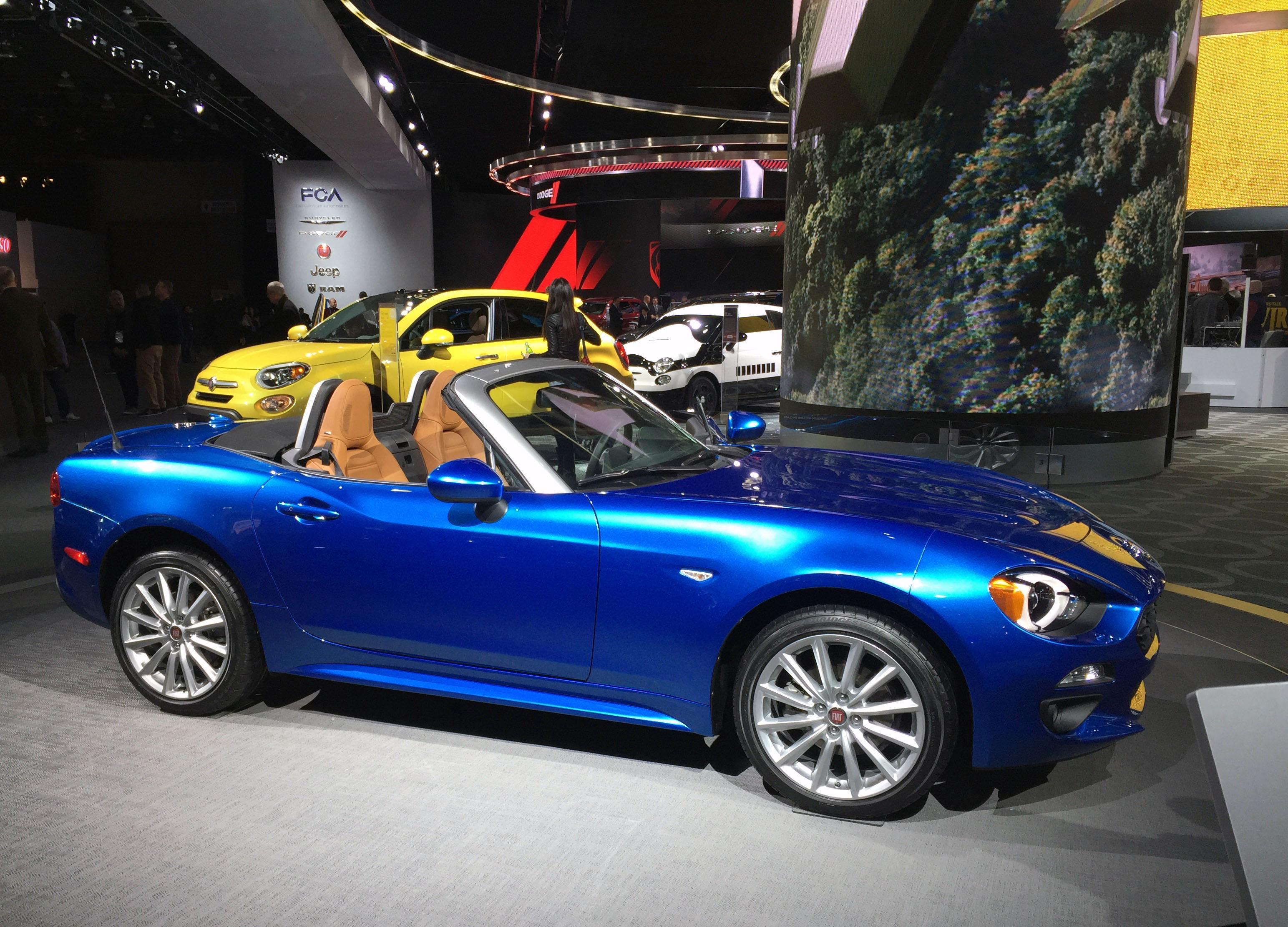 2017 Fiat 124 Spider (Photo by Jill Ciminillo)