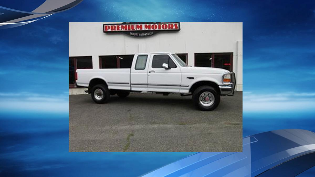 Photo of a white 1998 Ford F-250 extended cab truck, similar to the one the suspect is driving (Photo from Washington County Sheriff's Office)<p></p>