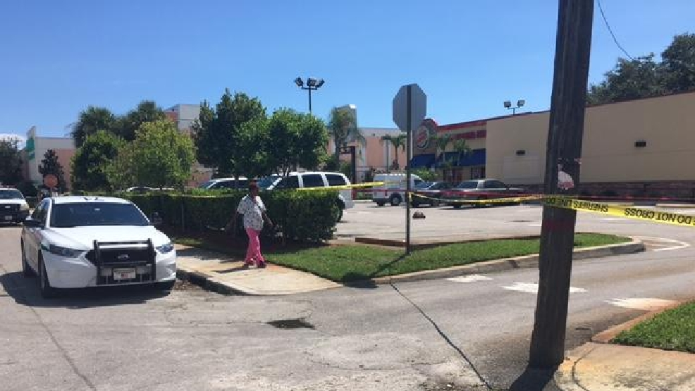 ACTUALIZACION: Hombre intento conducir al hospital despues de ser baleado en Lake Worth