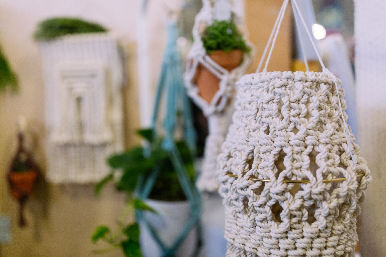 The Beige Motel offers handcrafted macrame plant holders and wall hangers. You can learn more about this Seattle company or shop their products at http://thebeigemotel.com/. (Image: Joshua Lewis / Seattle Refined)