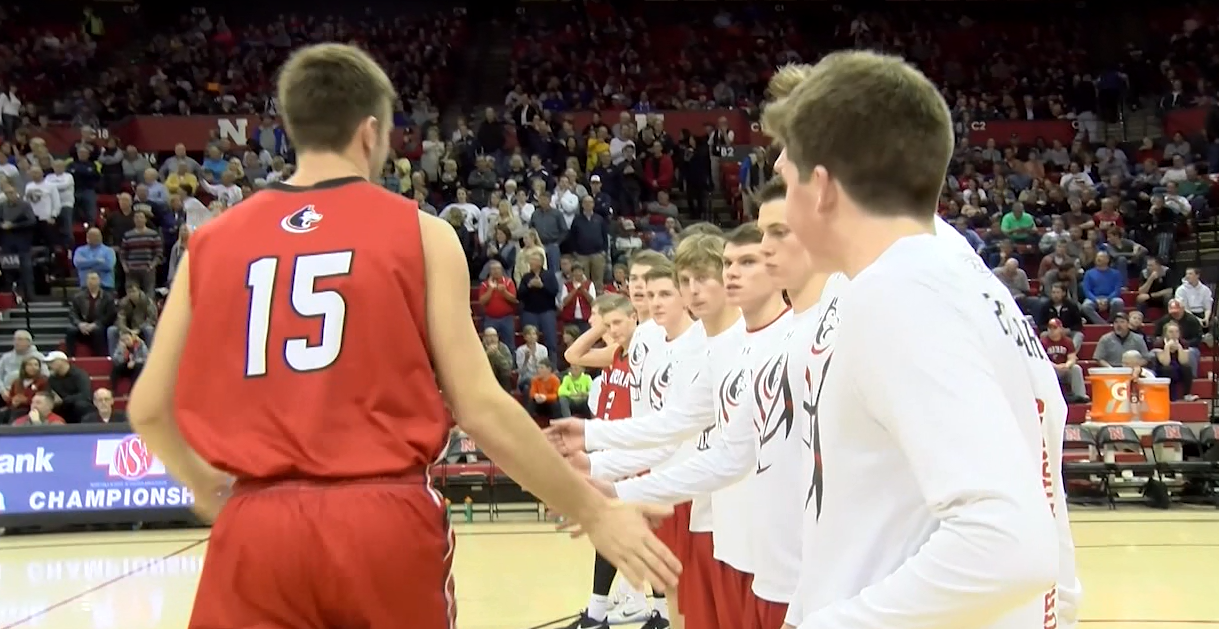 Austin Allen (15) and Aurora ready for a Class B quarterfinal (NTV News)
