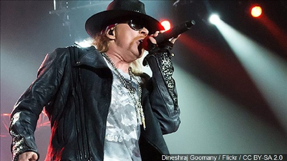 Singer Axl Rose to join AC/DC