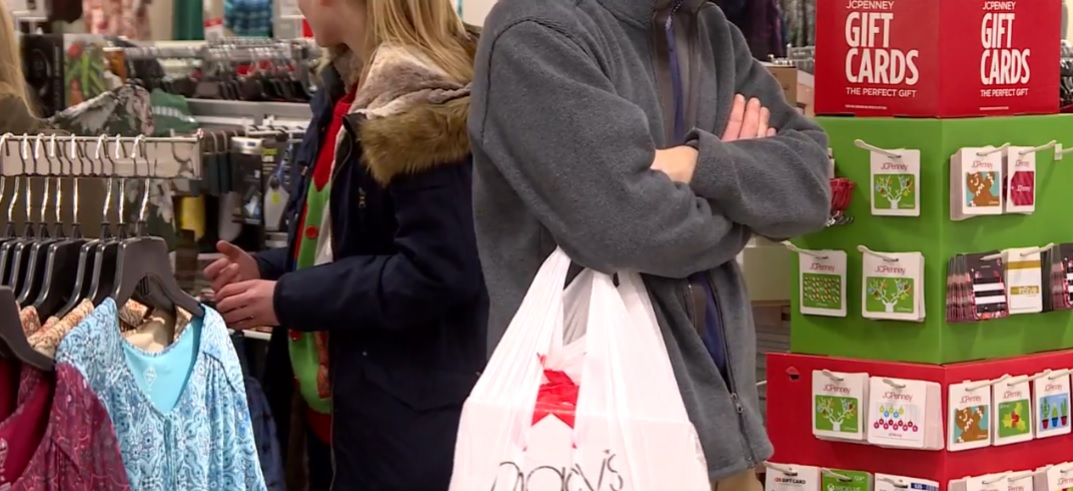Shoppers spending more makes a merry season for retailers. (Photo credit: WSBT)