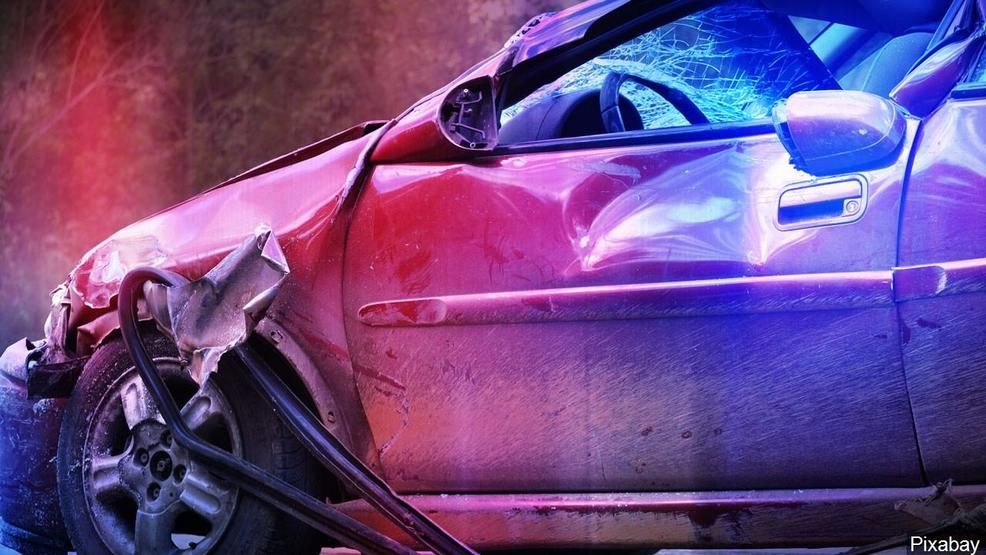 Troopers: 2 dead in head-on Fairview crash Friday
