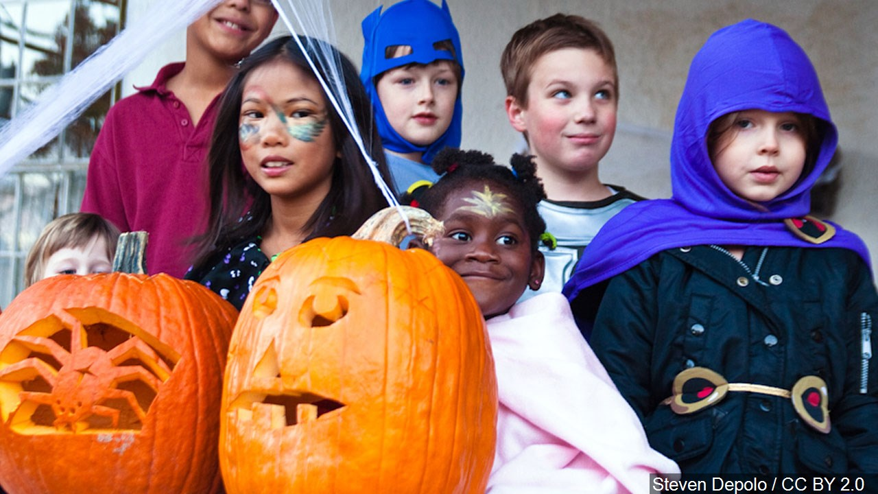 Kids trick-or-treating during Halloween. (Courtesy: MGN Online)