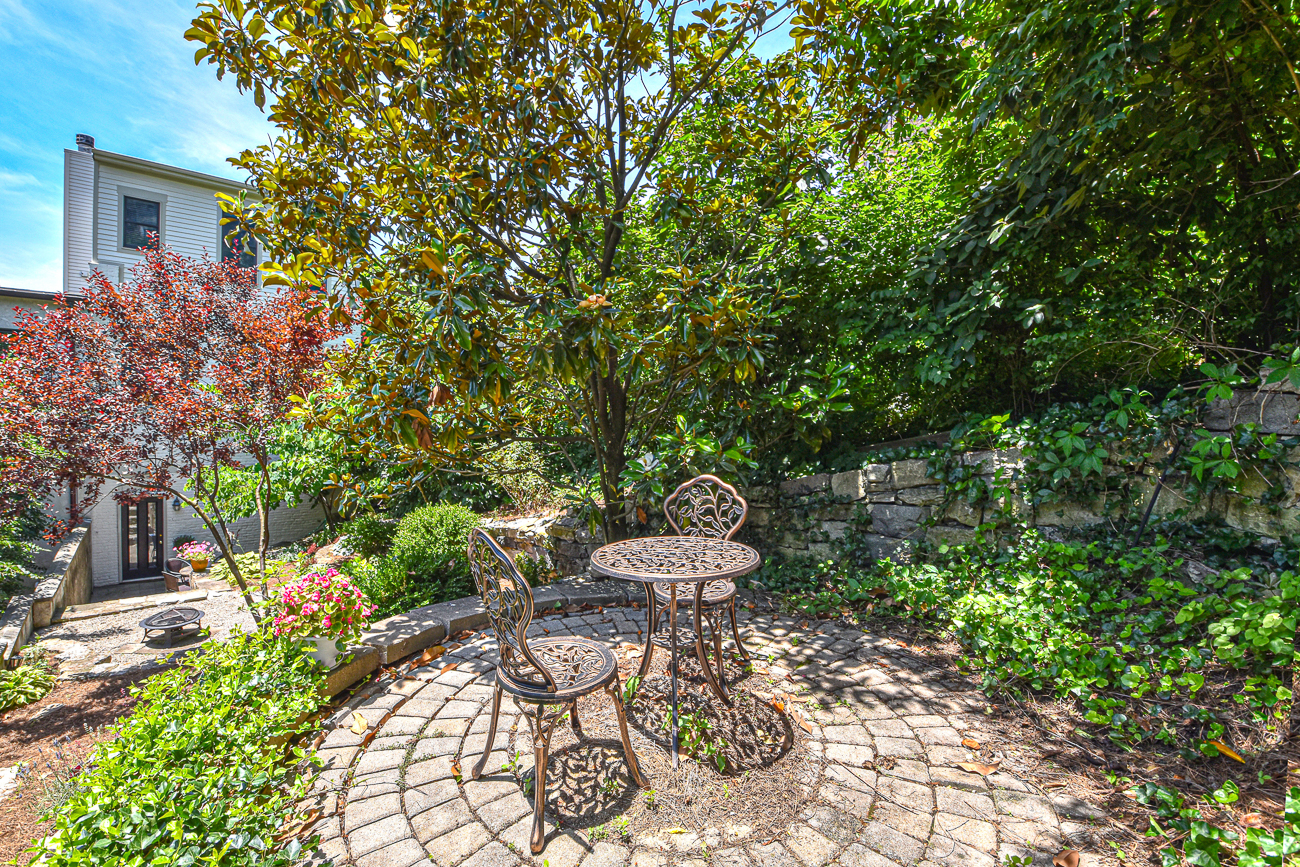 902 Monastery's back yard is shaded, secluded, spacious, and everything you'd imagine the perfect yard would be in a place like Mt. Adams. / Image: Kathy Kelley // Published: 7.11.19