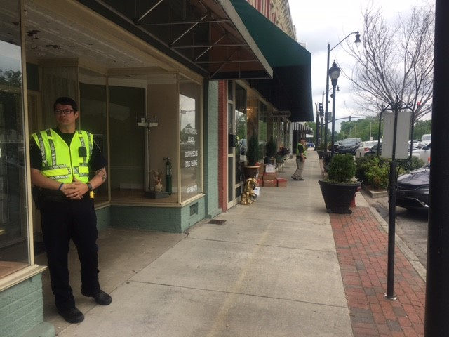 An IRS spokesman says they have executed search warrants at two tax businesses along the Darlington Public Square. (Tonya Brown/WPDE)