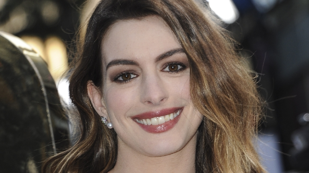 Anne Hathaway posts moving tribute to 'Princess Diaries' director Gary Marshall