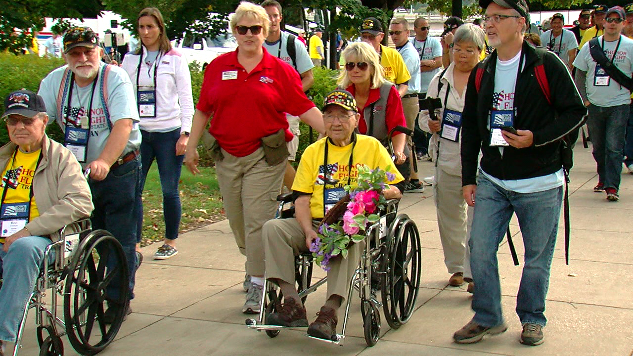 A whole bunch of American heroes were honored downtown Monday night (WKRC)