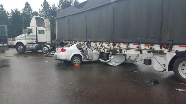 Car Crash On Hwy  Medford Or On Ktvl