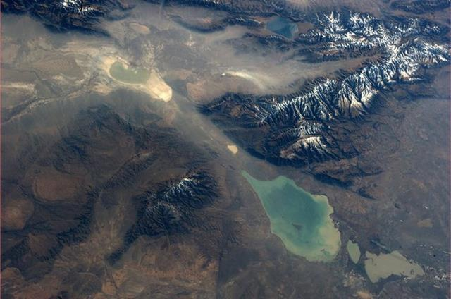 This is the Dzungarian Gate, a natural mountain pass between China & Kazakhstan. (Photo & Caption: Karen Nyberg, NASA)