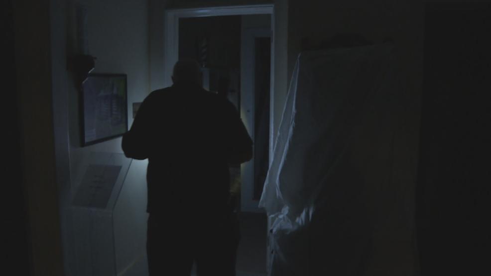 Paranormal investigators hunt ghosts at Van Buren County