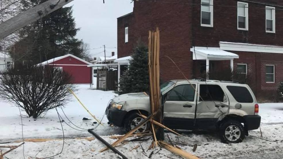 Blair County crash damages utility pole, causing temporary power outage | WJAC