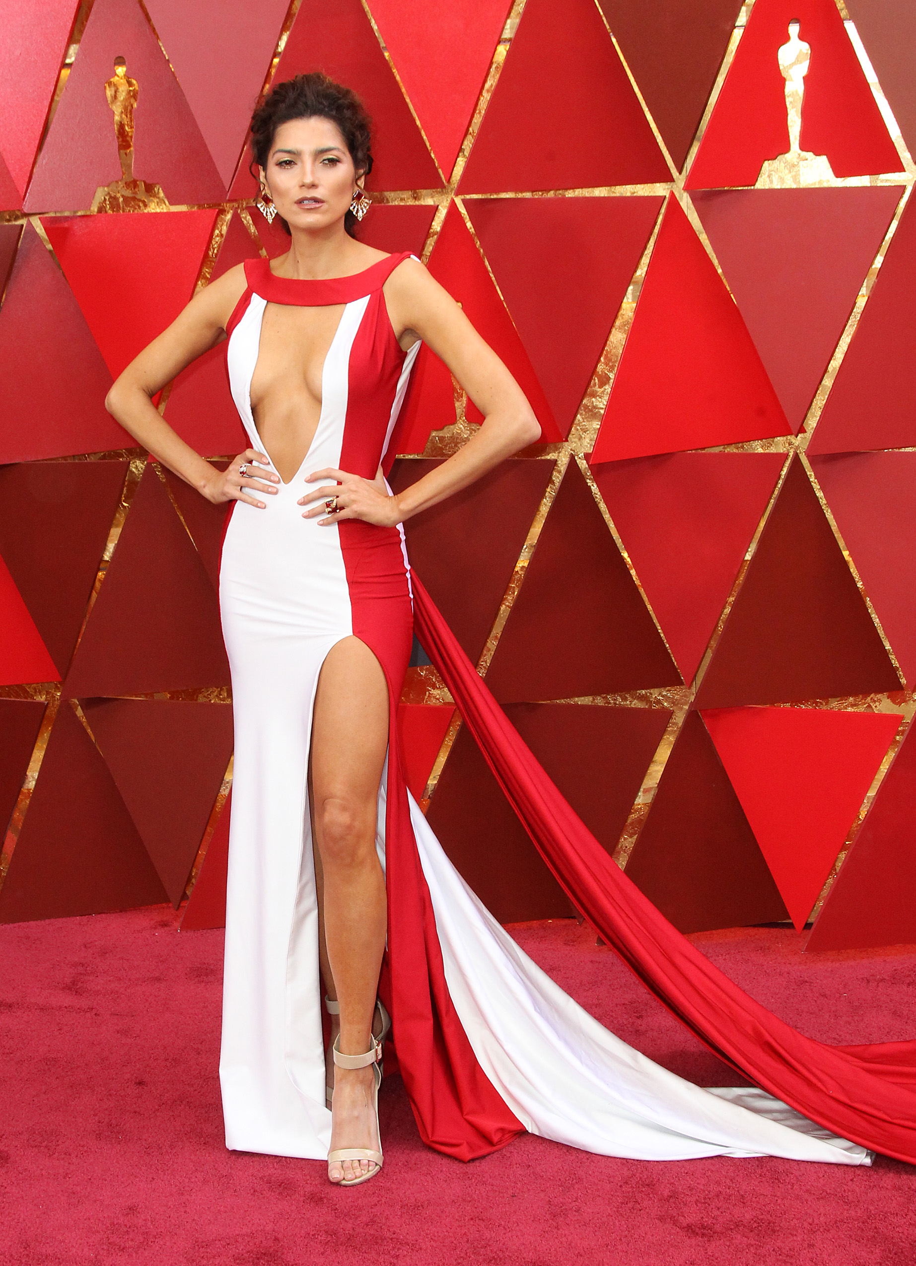 I guess Blanca learned nothing from her wardrobe malfunction on the red carpet last year, and instead decided to pair her higher than high slit with a plunging neckline this year as well. Trying. Too. Hard. Girlfriend.(Image: Adriana M. Barraza/WENN.com)<p></p>