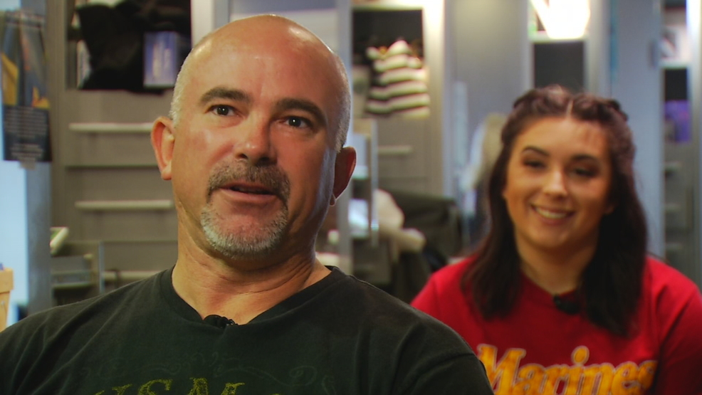 Hendersonville Teen Offers Free Hair Cuts For Veterans Wlos