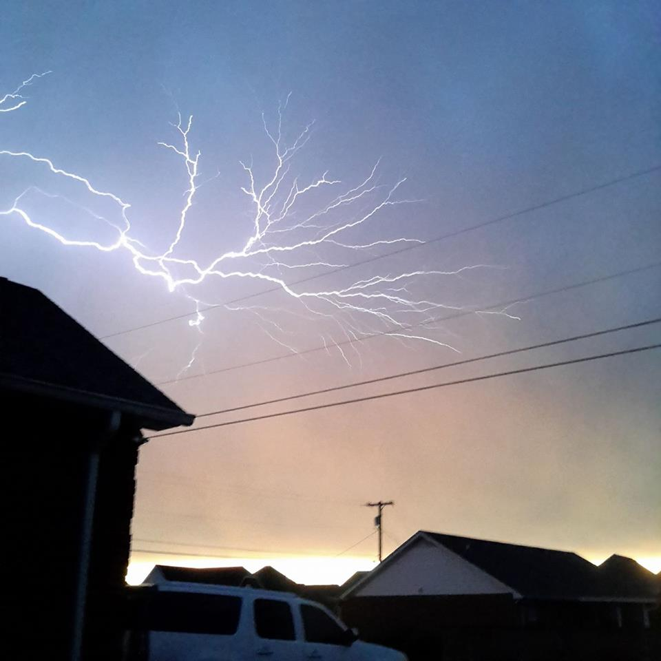 Lightning in Gallatin, Tennessee PHOTO: Brad Cunningham