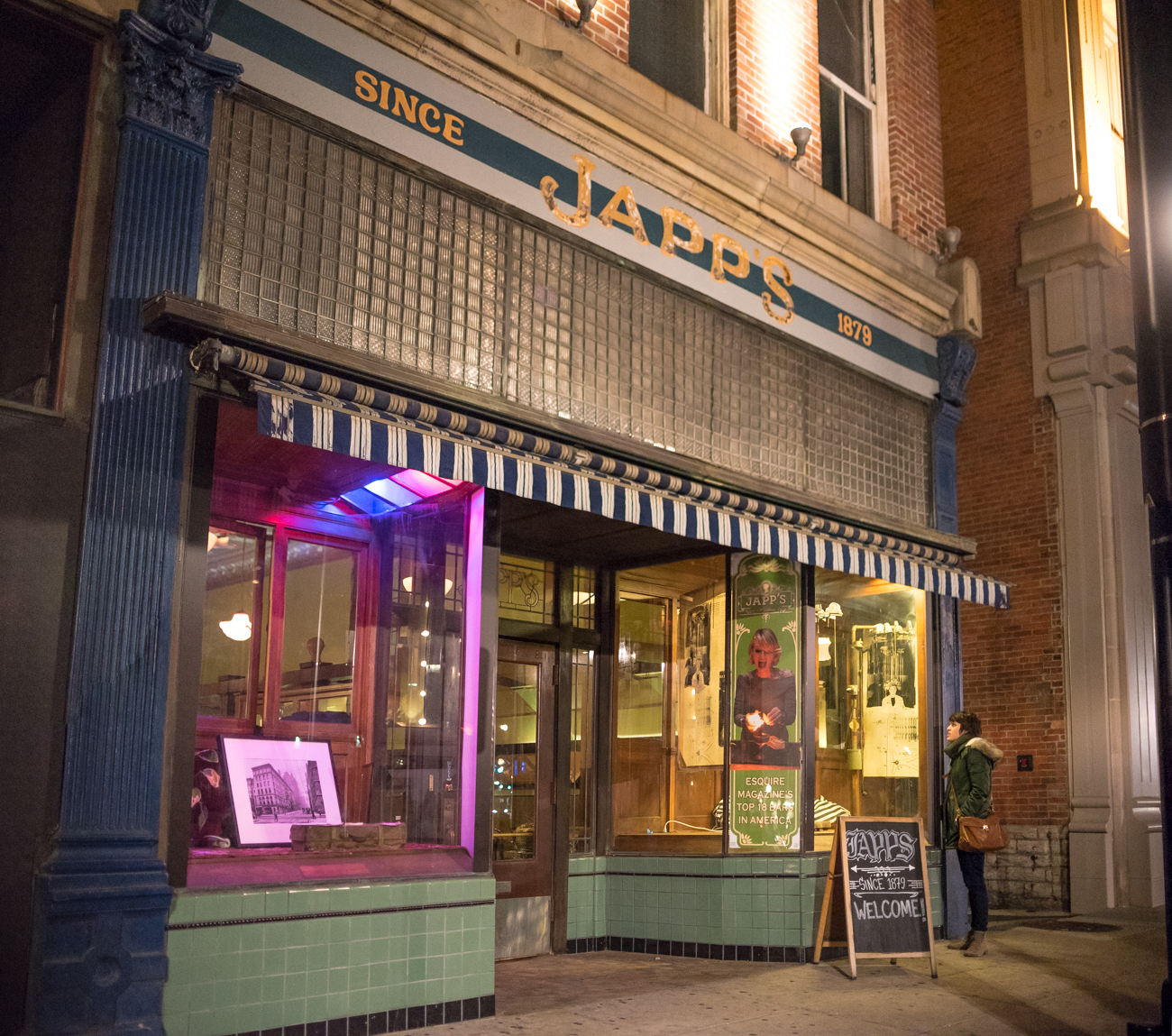 BAR: Japps / LOCATION: 1205 Elm Street / CLOSEST STOP: Hanke Exchange Station (12th & Main) // IMAGE: Phil Armstrong, Cincinnati Refined /// Published: 11.30.16