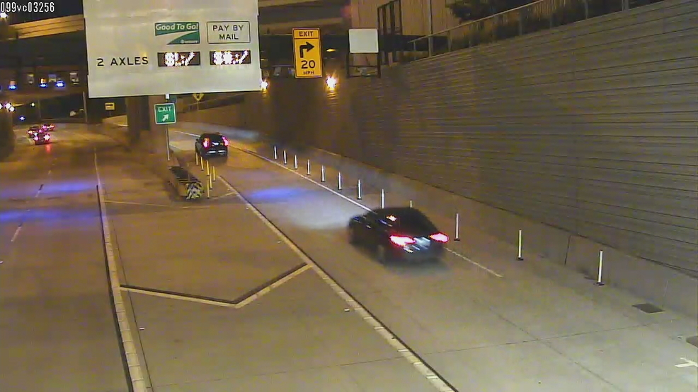 No cheating the toll: SR 99 tunnel adds pylons to keep traffic in single lanes