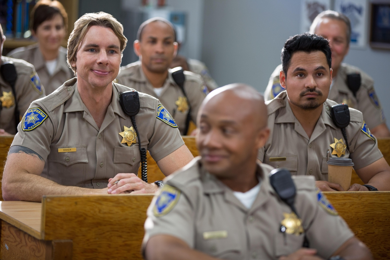 "Dax Shepard and Michale Peña in ""CHIPS""  Photo Credit: Peter Iovino"
