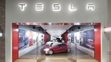 Tesla to open location in Warwick