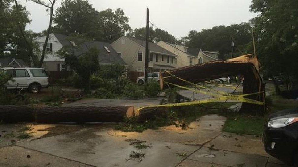 Confirmed tornado touched down in va beach 12 hurt wjla for Family motors va beach