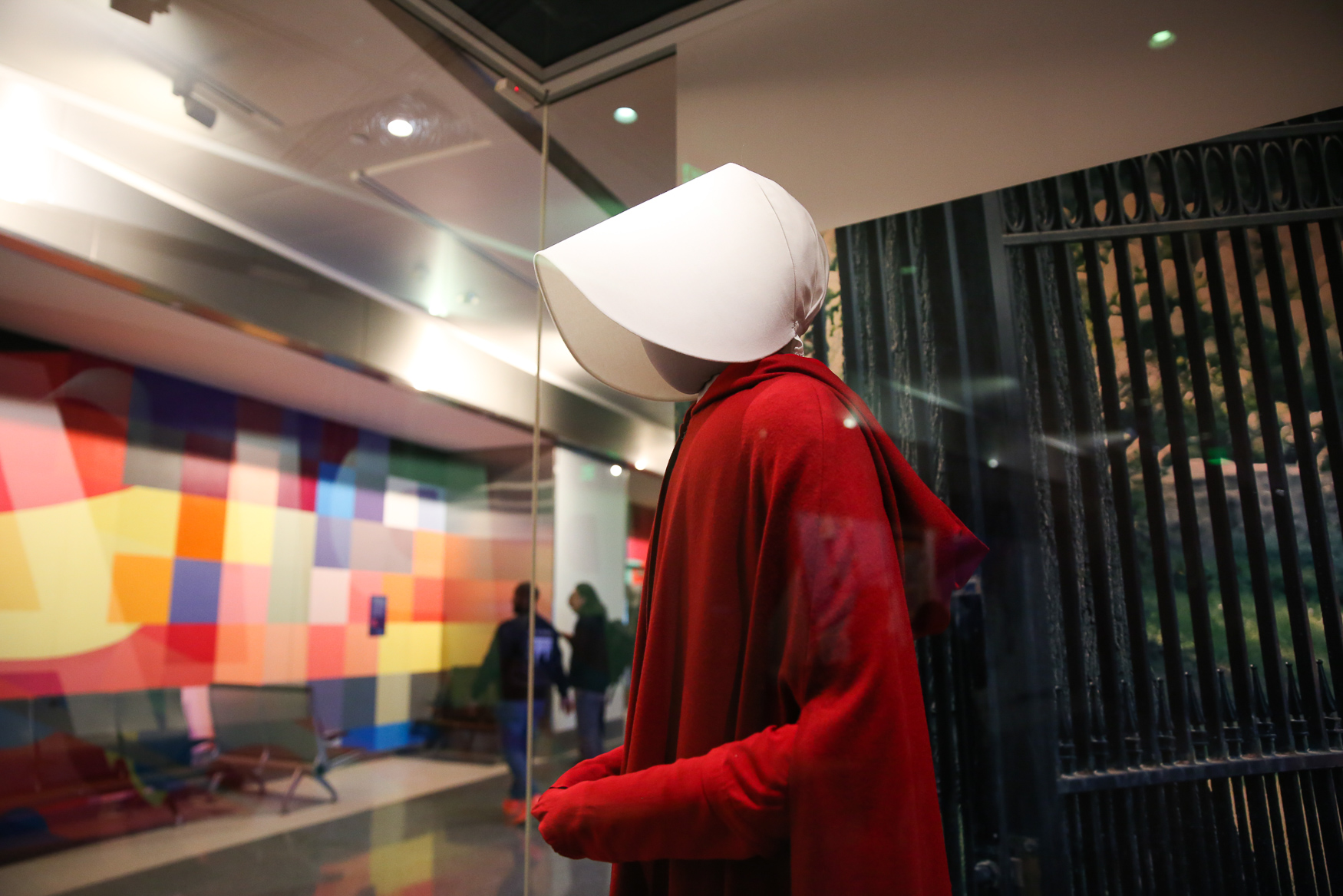 Elisabeth Moss wore this costume during the first season of 'The Handmaid's Tale'. (Amanda Andrade-Rhoades/DC Refined)
