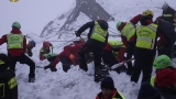 Rescuers search for Italy avalanche survivors, fear more slides