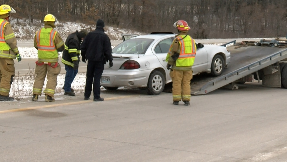 Single vehicle accident on a Highway 61 exit | KHQA