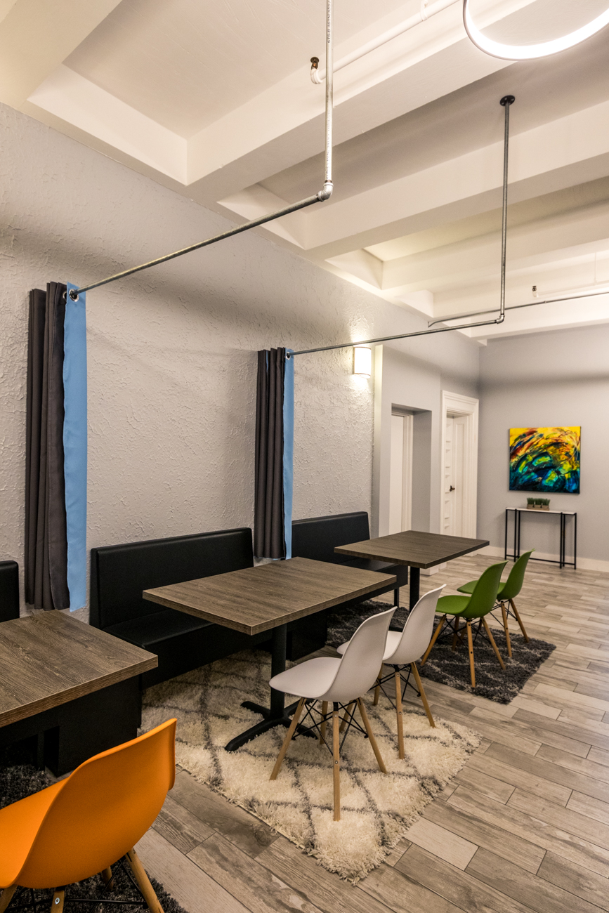 Aside from proximity to Covington's restaurant and bar scene, additional perks include free wifi, parking, and drinks like coffee and water. The building features conference rooms, a podcast studio, 24-hour key card access, and even design and tech support available from developers and designers. / Image: Catherine Viox // Published: 10.5.20