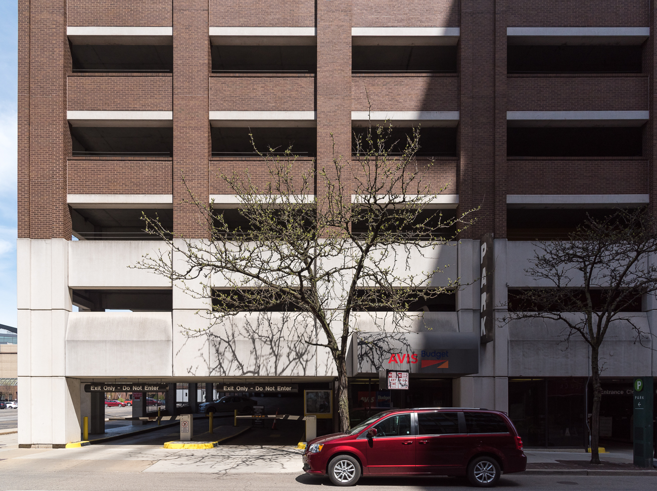 4th Street has a car rental place: Avis Car Rental / ADDRESS: 212 W 4th Street / Image: Phil Armstrong, Cincinnati Refined // Published: 4.23.18