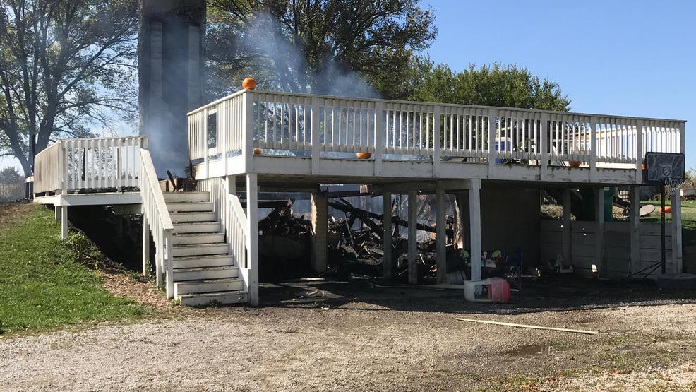 mystic  iowa fire destroys home