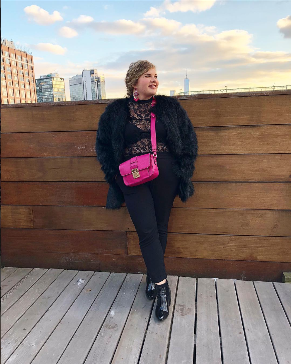 Because fashionable birds of a feather flock together, Catherine of @dreamyrealest_ on Insta joined Dani at NYFW. Catherine's lace top pairs so well with her fur coat and bright bag. (Image via @dreamyrealist_, photo by @blonde_inthedistrict)<p></p>