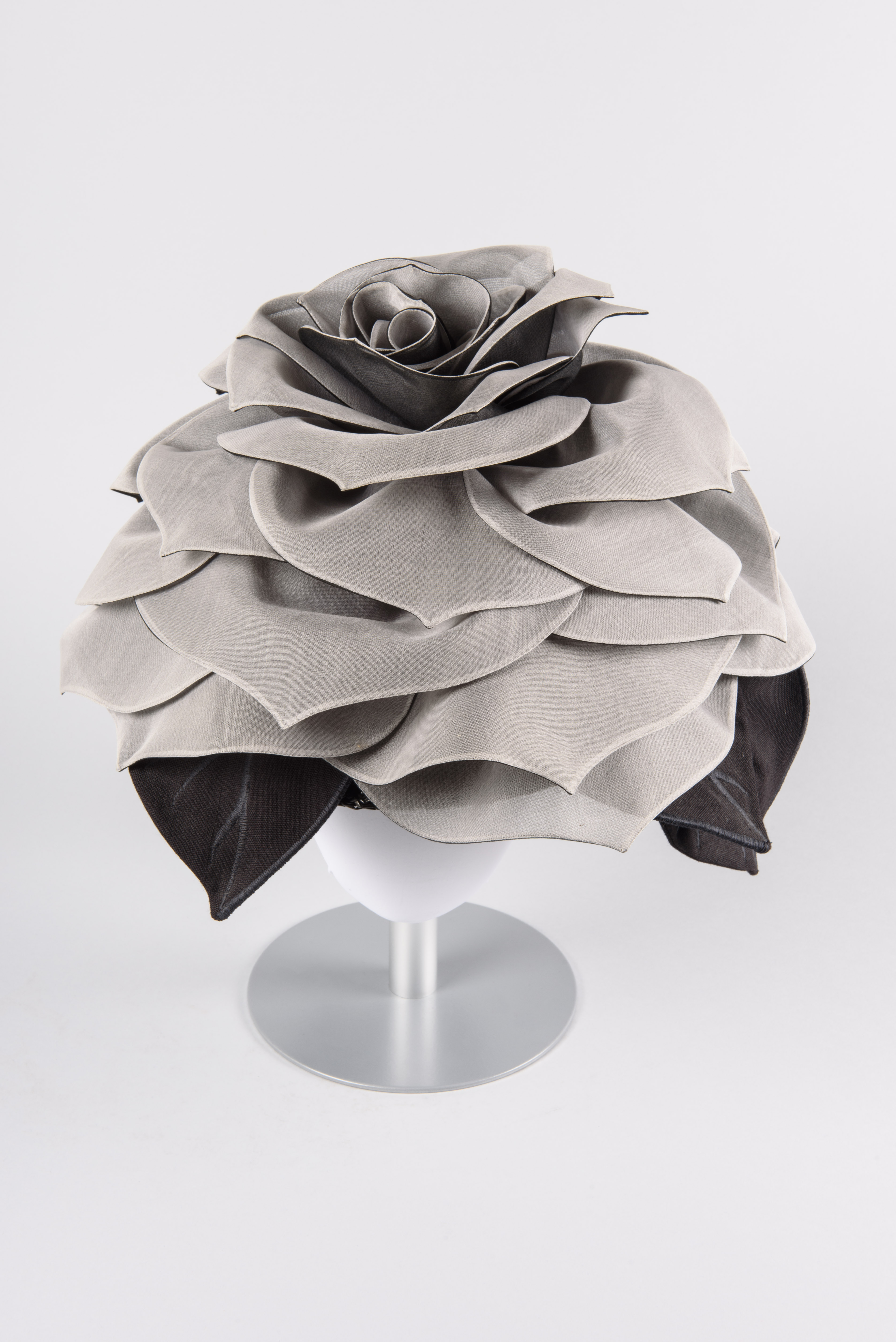 Black and White Rose Hat, 1995, Wayne Wichern, maker, Gift of Louise Hoeschen-Goldberg, copyright MOHAI Collection.{ }