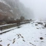 Snow, rock slides briefly close I-5 southbound at Oregon-California border