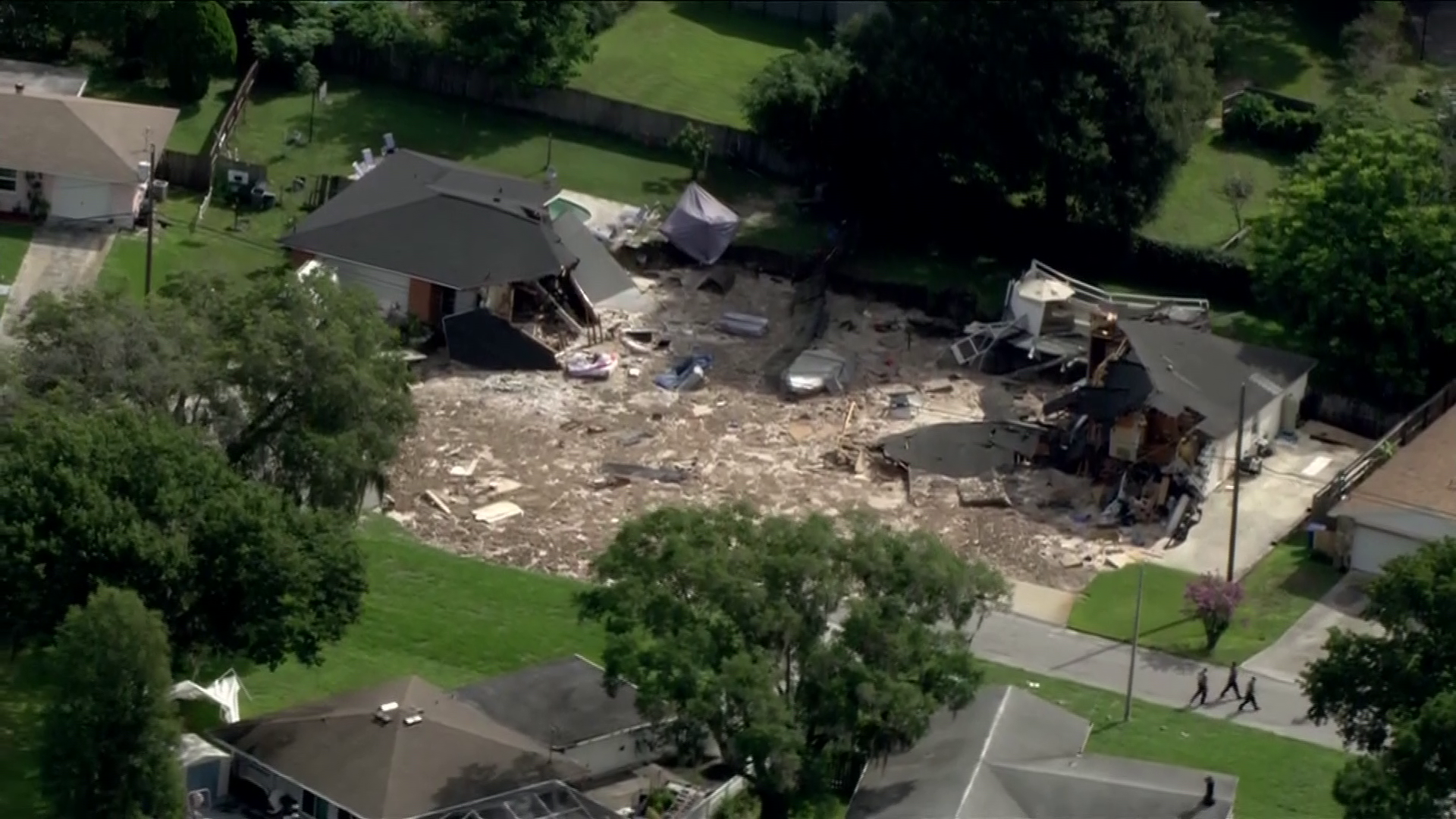 Sinkhole in Pasco County, Florida neighborhood forcing evacuations (CNN Newsource)