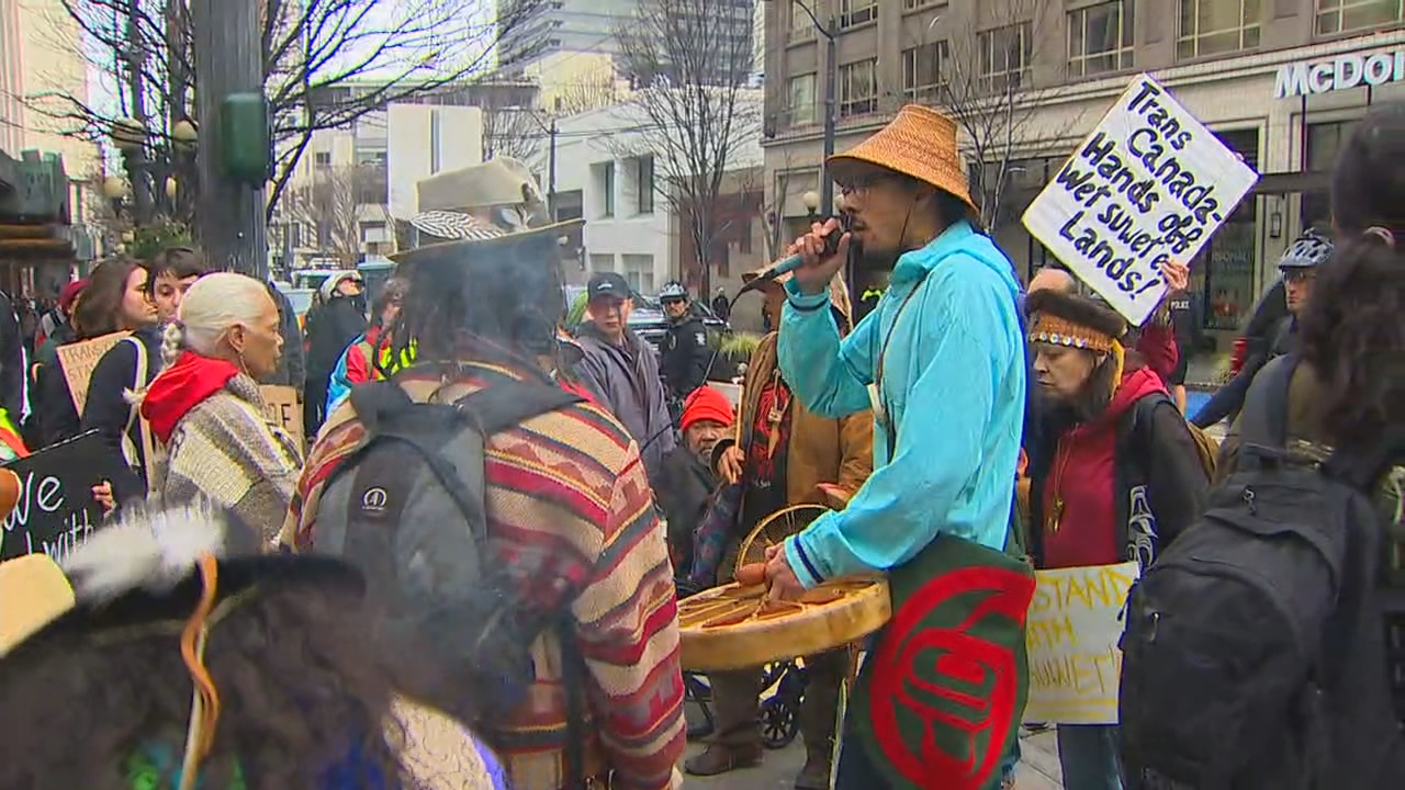 Downtown Seattle pipeline protest (KOMO News photo)