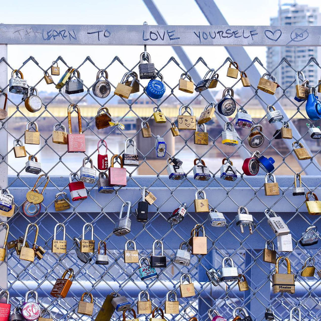 Our love for the Purple People Bridge is strong, almost as strong as these love locks. / Image courtesy of Instagram user @vic_land // Published: 3.20.19