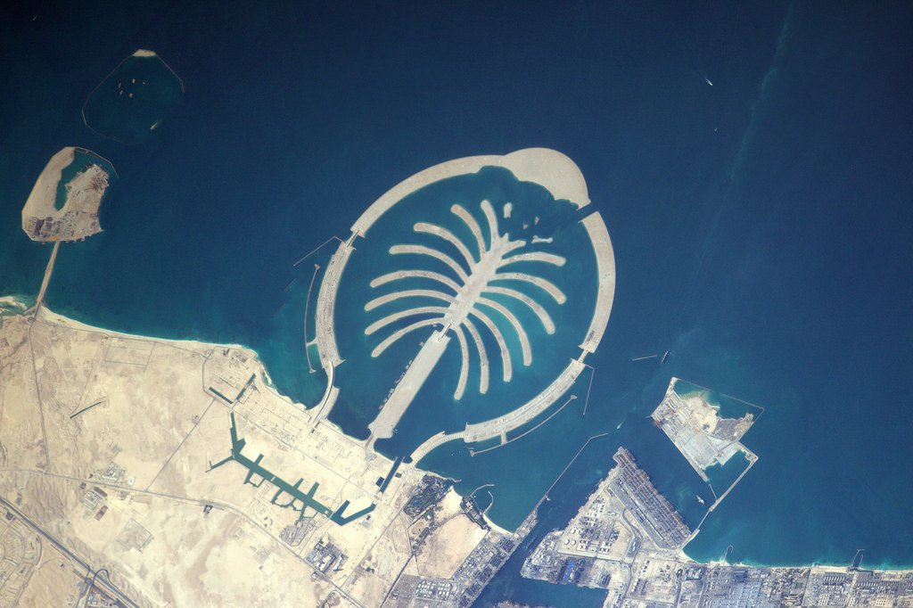 Easily visible from space. An artificial #FridayIsland today, Dubai (Photo & Caption: Thomas Pesquet // NASA)