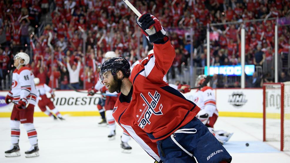 After back-to-back losses, Capitals respond with blowout win over Hurricanes in Game 5