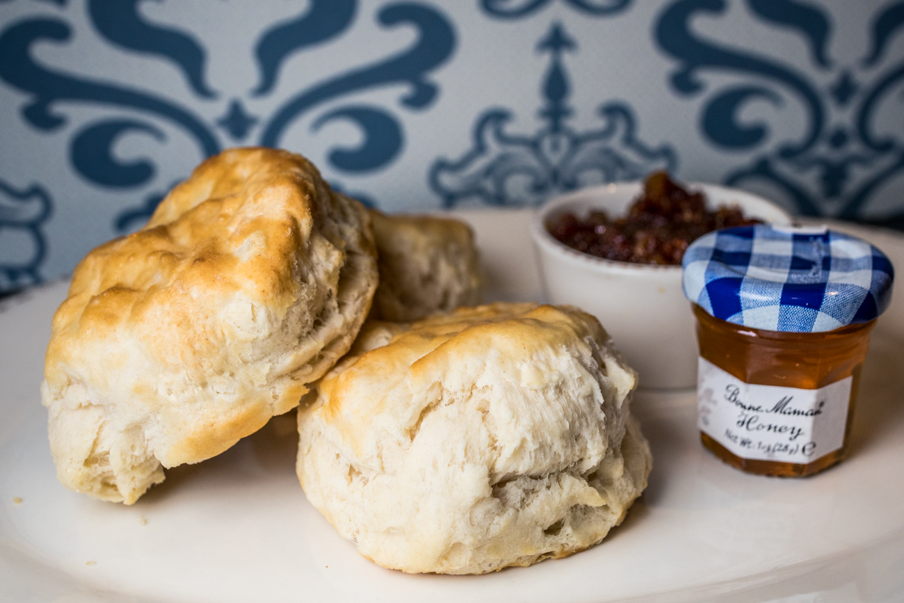 Bacon Jam & Biscuits{ }from The Golden Lamb / Image: Catherine Viox // Published: 9.8.20