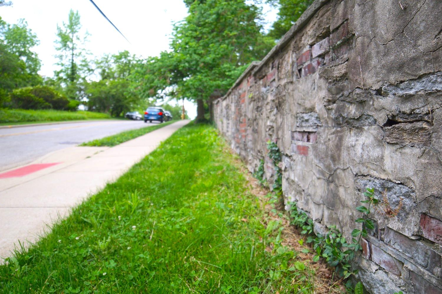 HIKE: Meandering On Madison / AREAS: Hyde Park to East Walnut Hills / ABOUT: Start in Hyde Park Square, walk to Woodburn Brewery, then return to Hyde Park (learn more about the path in the story). / Image: Brian Planalp // Published: 5.19.17
