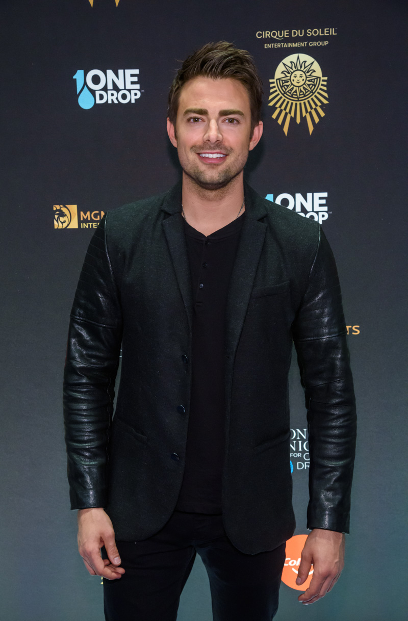 Jonathan Bennett at at the Seventh Annual One Night for One Drop Event, March 8, 2019.jpg