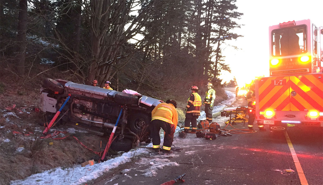 Troopers, police and medics respond to the crash scene. (Wash. State Patrol photo)